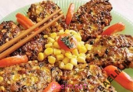 طرز تهیه کتلت ذرت با چاشنی سبزیجات