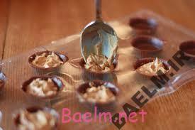 طرز تهیه شکلات با مغز کره بادام زمینی