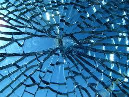 تعبیر خواب | تعبیر دیدن یا شکستن شیشه در خواب
