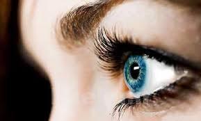 آرایش و زیبایی | آیا لنز گذاشتن مانع سرعت آرایش میشود؟