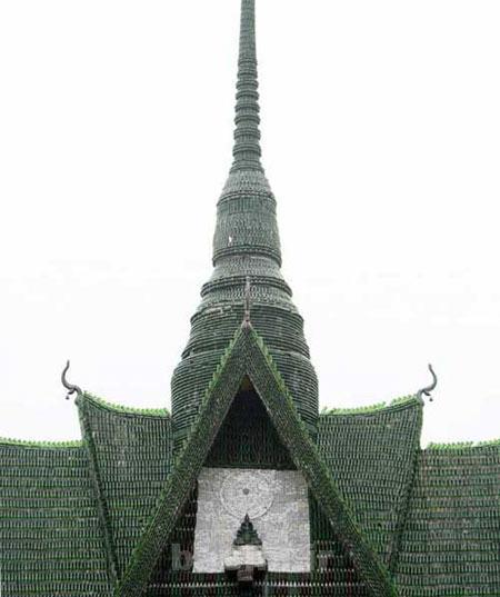 مکان های دیدنی | عکسهای معبد بودایی ساخته شده از بطری!