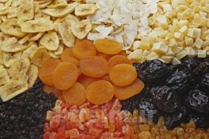روش تهیه میوه خشک برای آجیل شب یلدا
