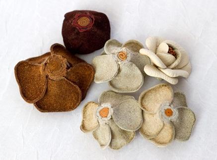 هنر در خانه | آموزش ساخت گل چرمي با استفاده از چرم هاي دور ريختني و اضافه