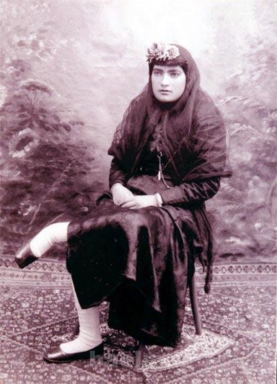 اولین زن روزنامه نگار ایران,نخستین روزنامهنگار زن ایرانی,زندگینامه مزین السلطنه