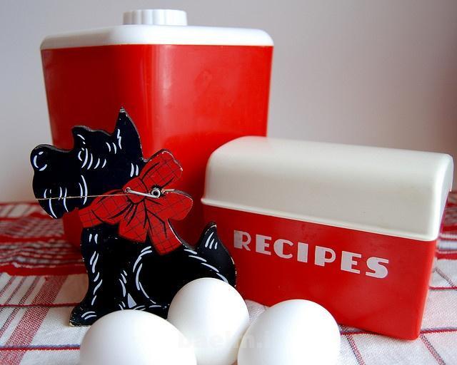 red kitchen accessories 6 Red Kitchen Accessories