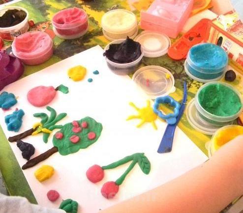 آموزش تصویری | برای بچه ها خمیر بازی درست کنید(خیلی راحت)