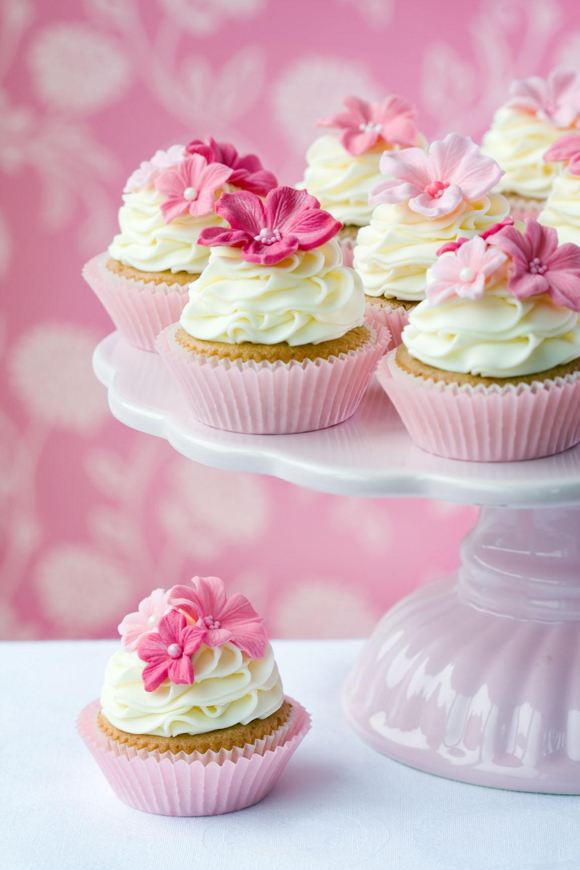 عکس هایی از تزئینات و کیک و شیرینی مراسم عروسی