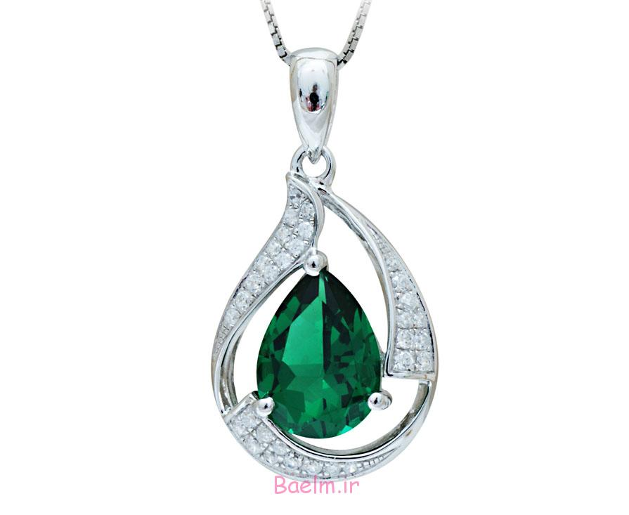 emerald necklace designs 12 Emerald Necklace Designs