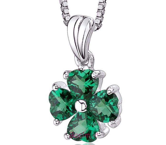 emerald necklace designs 5 Emerald Necklace Designs