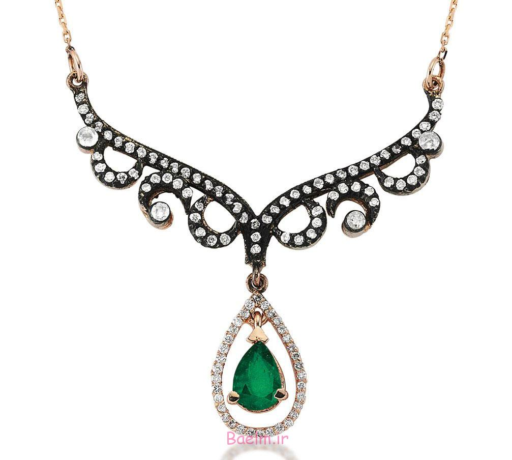 emerald necklace designs 9 Emerald Necklace Designs