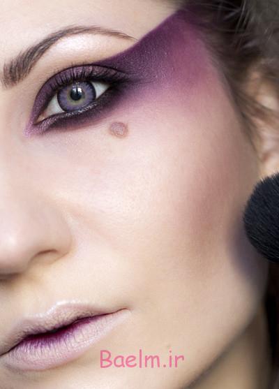 halloween makeup inspiration woman purple eye shadows