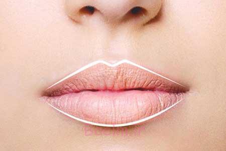 راهنمای کشیدن خط لب و برجسته کردن لب ها با آرایش صحیح
