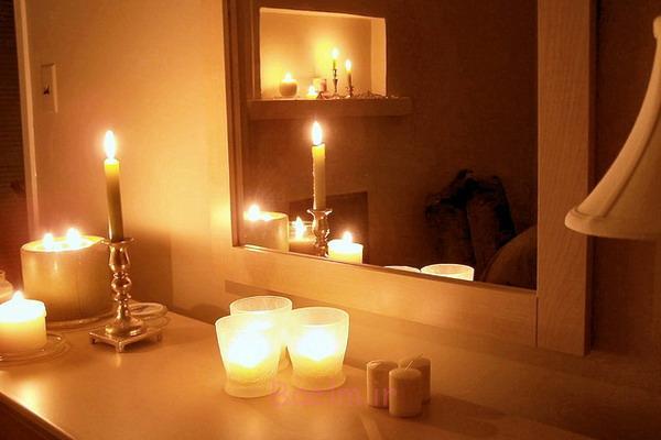 دکوراسیون اتاق خواب زیبا با شمع (2)