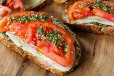 آموزش انواع ساندویچ | طرز تهیه ساندویچ با نان تست ،پنیر و گوجه (مخصوص تابستان)