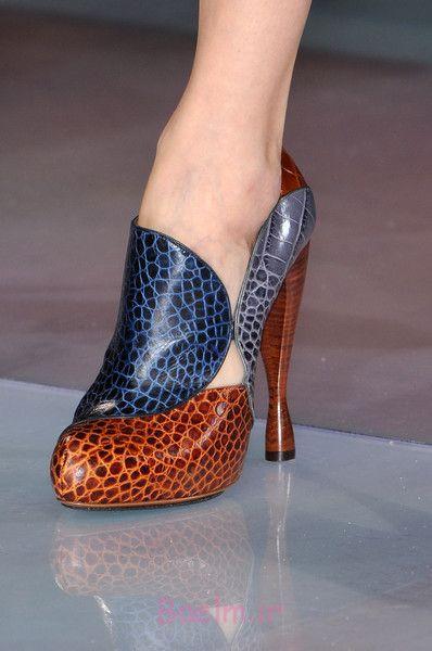 1 آبی و قهوه ای کفش پاشنه بلند توسط آرمانی
