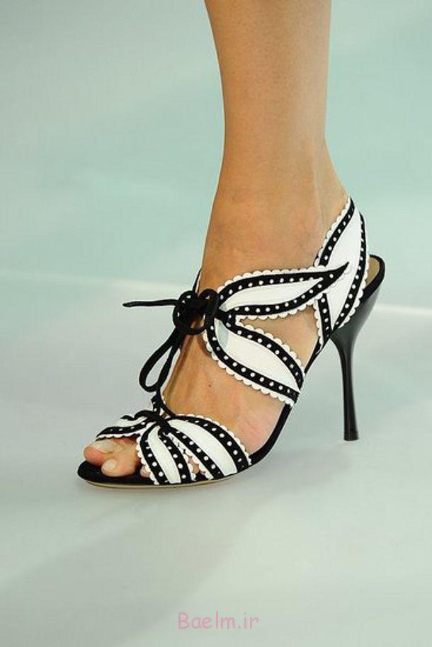 کفش سبک گل سفید و سیاه و سفید