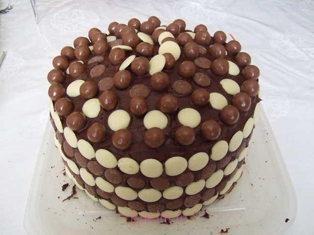 http://88cakescorner.com/wp-content/gallery/chocolate-cake/Chocolate-cake-1.jpg