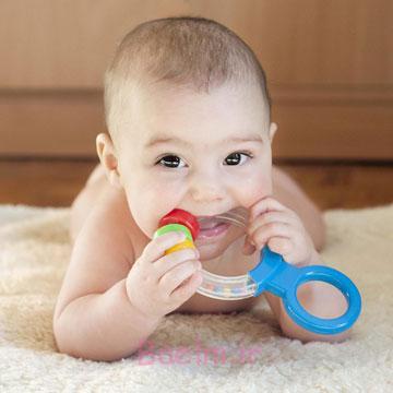 نوزاد | بهترین روش برای کاهش درد دندان در آوردن کودک