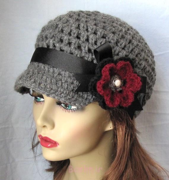 4 کلاه قلاب دوزی خاکستری با گل قرمز