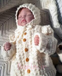 Best Crocheted Sweaters for Newborn Babies (2)