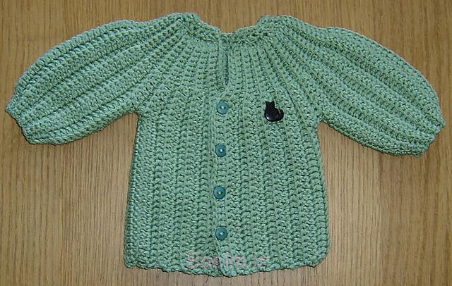 Best Crocheted Sweaters for Newborn Babies (4)