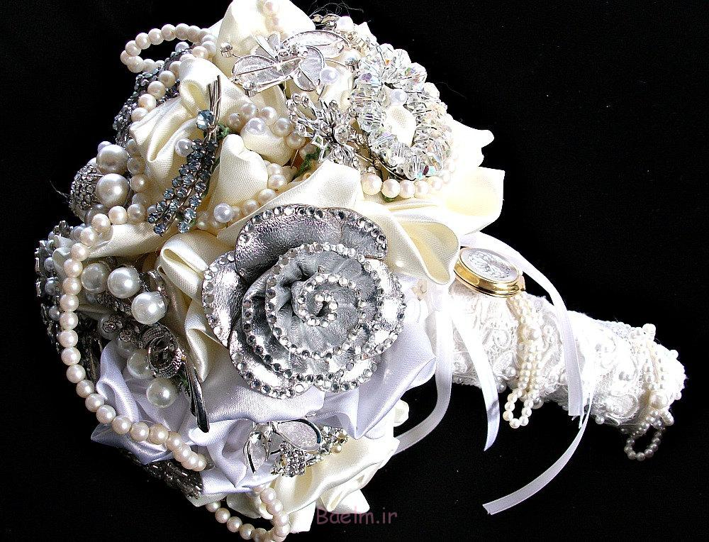 http://trendymods.com/wp-content/uploads/2013/06/Stylish-wedding-brooch-bouquet-14.jpg