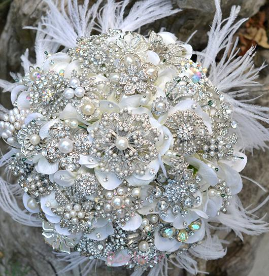 http://trendymods.com/wp-content/uploads/2013/06/Stylish-wedding-brooch-bouquet-26.jpg