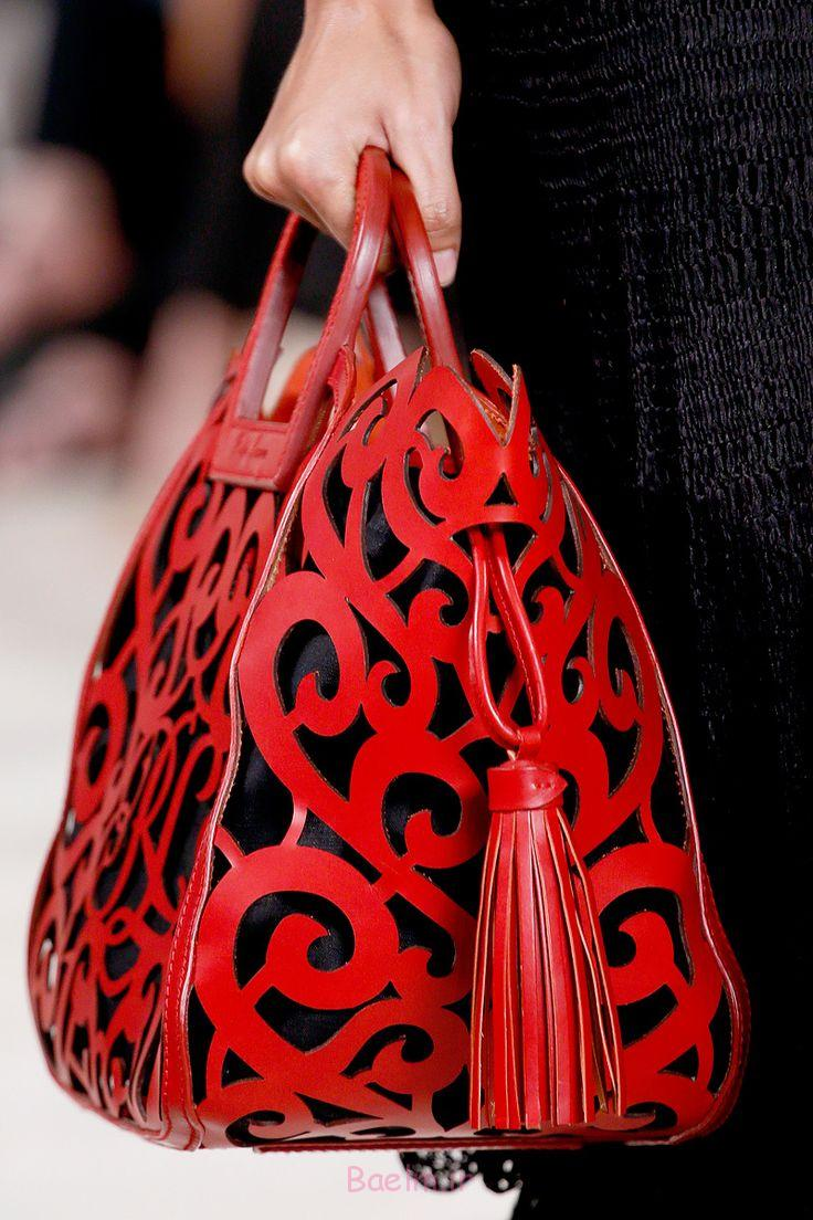 http://trendymods.com/wp-content/uploads/2015/09/awesome-red-handbags-collection-for-girls-10.jpg