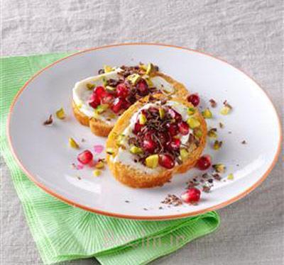 تهیه غذا با انار,نحوه درست کردن کراستینی پنیر و پسته و انار