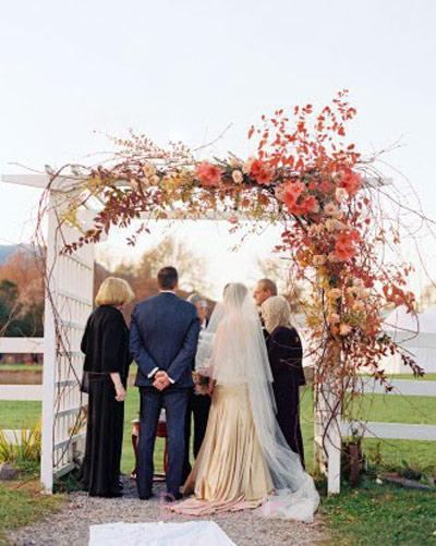 دسته گل پاییزی برای عروس و داماد,تزیین پاییزی جای حلقه های عروسی