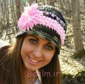 گل صورتی کلاه قلاب دوزی