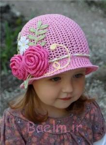 با گل کلاه قلاب دوزی صورتی