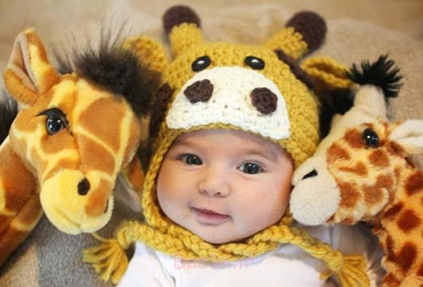 FabArtDIY-Cute-Crochet-Baby-Animal-Hat-Pattern3