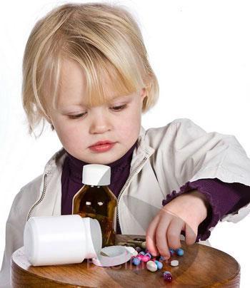 پیشگیری از مسمویت کودک,مسمویت دارویی در کودکان