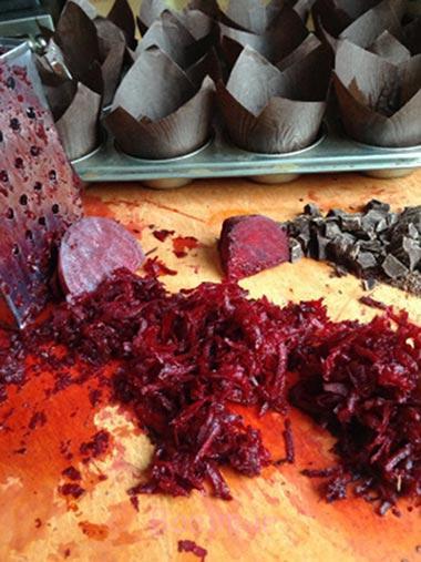 طرز تهیه مافین چغندر و شکلات,طرز تهیه مافین چغندر