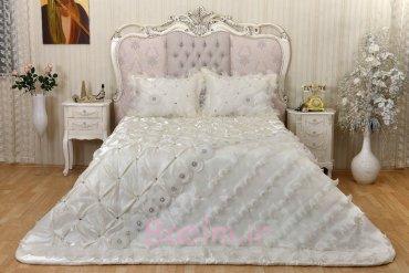 Swan Bedspread