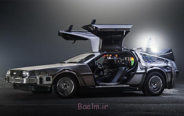 در فیلم بازگشت به آینده، بازیگران فیلم با استفاده از این خودرو به آینده سفر میکنند.