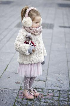sweater, leggings, and boots with faux fur for kids (8)