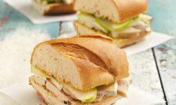 طرز تهیه ساندویچ مرغ مخصوص مسافرت و پیک نیک