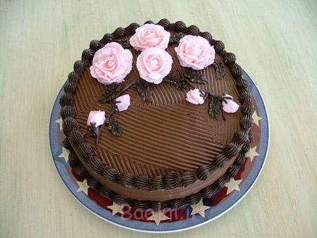 تزیین کیک شکلاتی خانگی,طرز تزیین کیک شکلاتی,دستور تزیین کیک شکلاتی