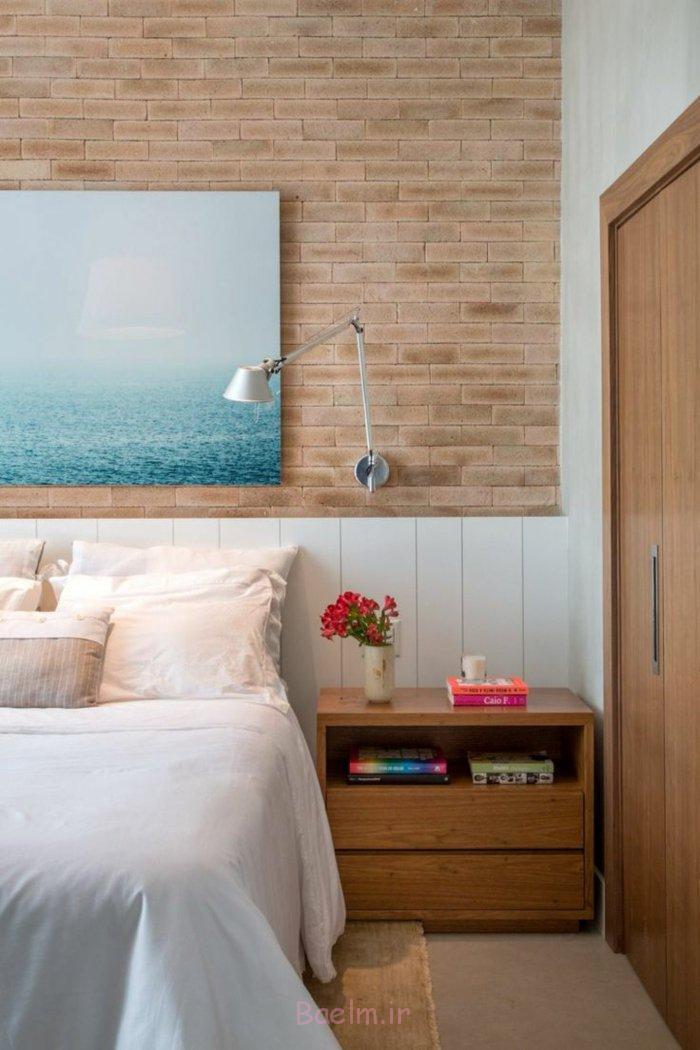 schlafzimmergestaltung ziegelwand optik holz nachtkonsole wandkunst perspektive