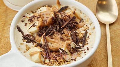 تهیه اسموتی موز و کره بادام زمینی,نحوه درست کردن اسموتی موز و کره بادام زمینی