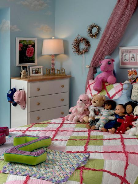 ایده های چیدمان اتاق کودک, نحوه چیدمان عروسک اتاق کودکان