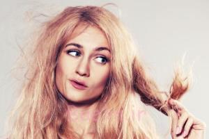 چرا مو بر اثر رنگ کردن می سوزد؟ رنگ موی بدون آمونیاک هم مضر است؟