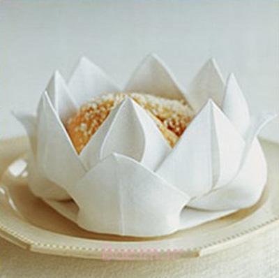 تزیین دستمال سفره به شکل گل,آموزش تصویری تزیین دستمال سفره