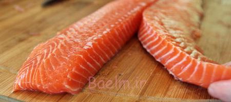 طرز تهیه ماهی سالمون,ماهی سالمون سرخ شده با تره فرنگی