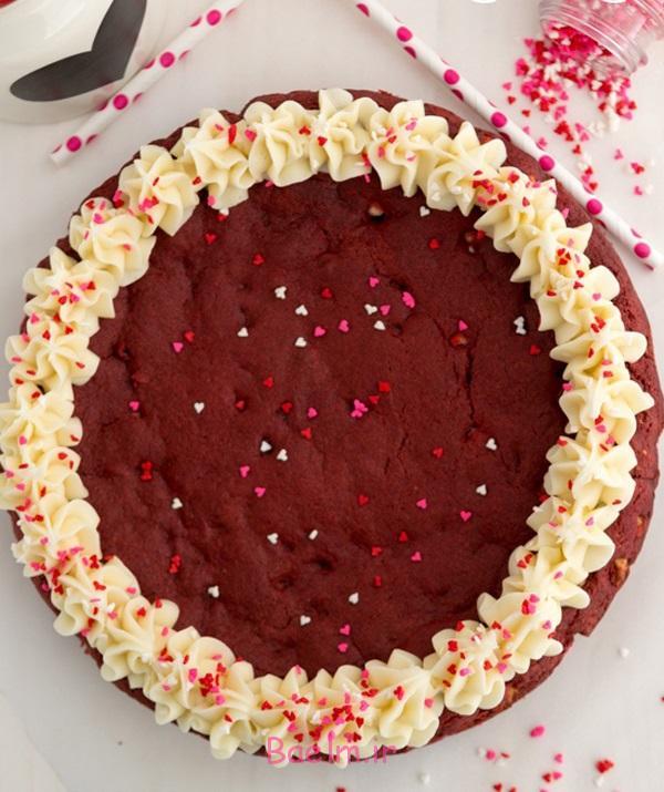 red-velvet-cookie-cake