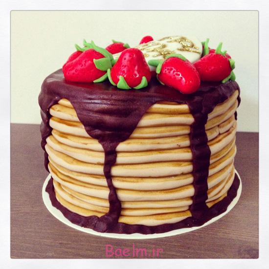 """آموزش تصویری """"تهیه کیک کره بادام زمینی و شکلاتی"""" با تزیین توت فرنگی"""