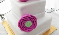 """""""تزیین کیک عروسی"""" و """"تولد"""" با """"گل رز"""" طبیعی ، خامه ای و گل با خمیر فوندانت"""