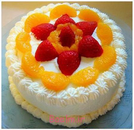 تزیین کیک تولد با میوه, تزیین کیک با خامه و میوه